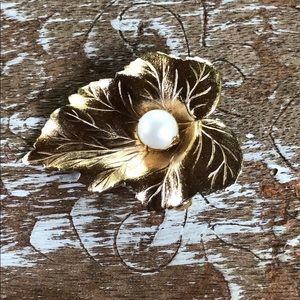 Vintage Sarah Coventry brooch